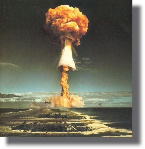 Explosion Nuclear1