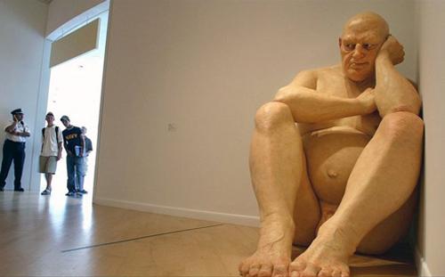 Ron-mueck-escultura-2