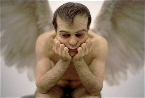 Ron-mueck-el-angel